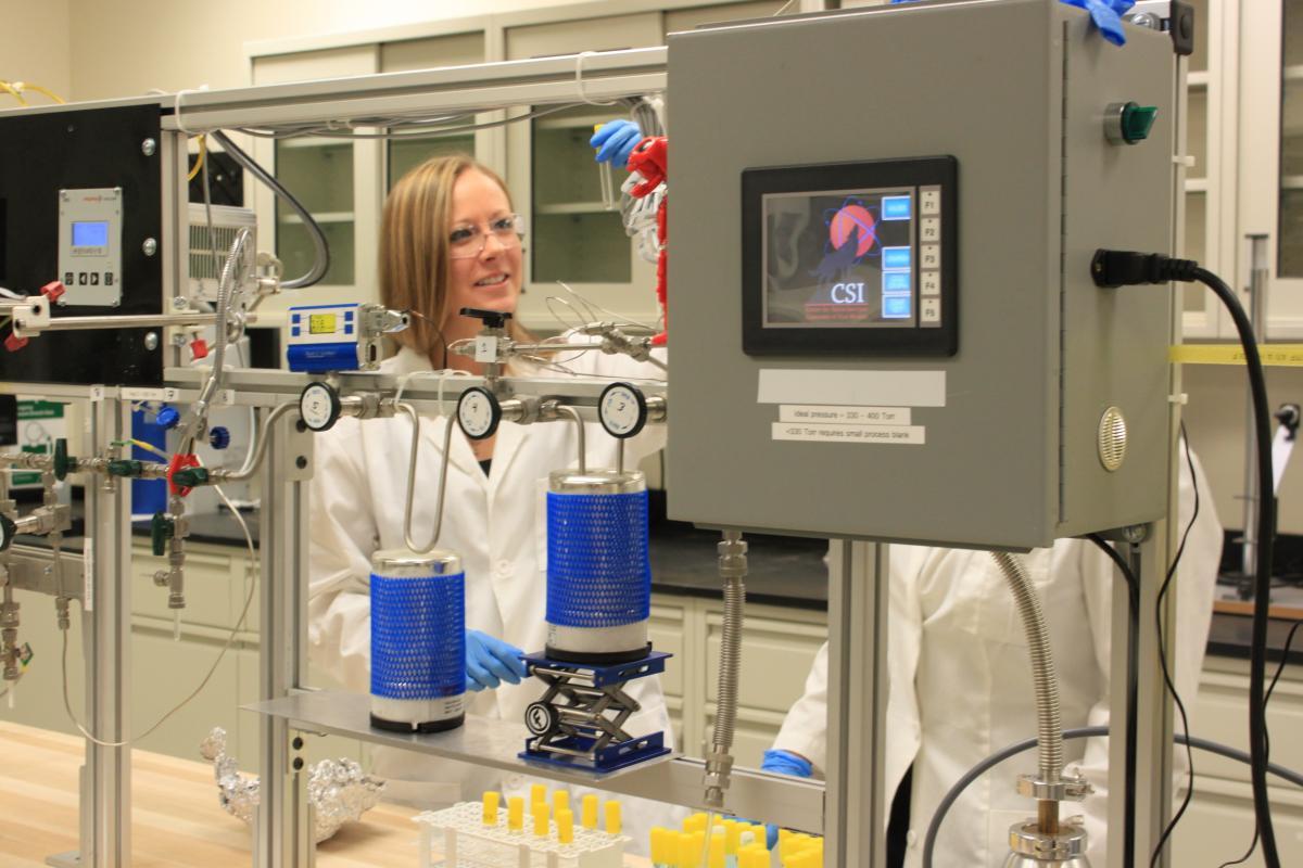radiocarbon dating lab